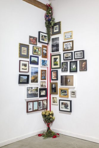 color photograph of assorted picture frames